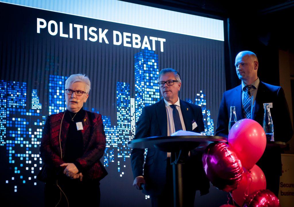 Åsa Lindestam (S) Hans Wallmark (M) Daniel Bäckström (C)